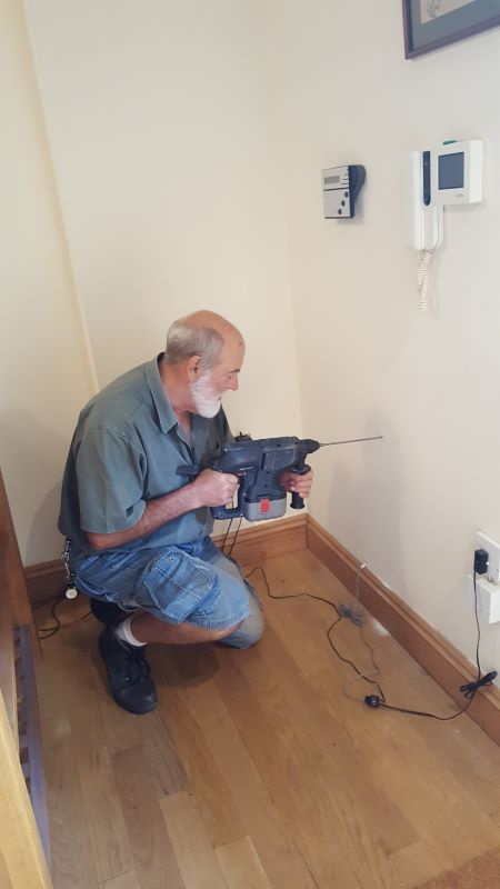 Jim Dunk installing router